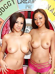 Two hot sluts fuck big black mega cock !