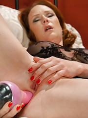 Audrey Hollander exposes her holes to the Ultimate Orgasms-Machine SEX! The ginger Queen shows off her double anal, ass fucking, pussy pounding talent