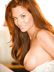 Playmate Exclusive May 2008 - AJ Alexander�