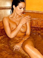 Tiffany Fallon is Playmate of the Year 2005, and we�ve got 60 pictorials and 75 videos of Tiffany to commemorate the occasion.�