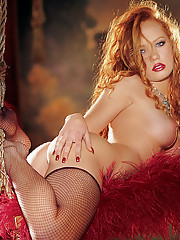 Playmate of the Month April 2002 - Heather Carolin�