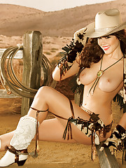 The newest pinup queen pays tribute to the glamour royalty of yore � Bettie Page, Dita Von Teese, and now Claire Sinclair � our 2011 Playmate of the Year, and the latest addition to the pantheon of pinup queens. Clai�