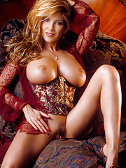 Playmate Exclusives January 2003 - Rebecca Ramos�