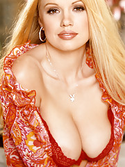Playmate Exclusives July 2002 - Lauren Anderson�