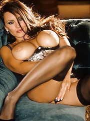 Playmate Exclusives February 2004 - Aliya Wolf�