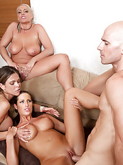 Big Tits Groupsex