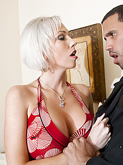 Hot cougar Kasey Grant seduces the plumber