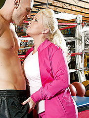 Angel Vain fucks a big cock in the boxing ring