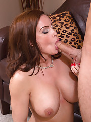 Diamond Foxxx is a gorgeous MILF who fucks younger cock to have intense orgasms.