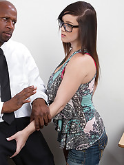 Noelle Easton needs to fuck her black cocked professor before he leaves for the summer.