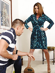 Raquel Devine is a horny cougar who wants to fuck a younger cock and have intense orgasm.
