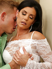 India Summer is a hot cougar on the prowl. She hit up the local club in her skimpiest outfit. She has no time to play games, she went out for one reason and one reason only...COCK! Bill is more than willing to give her what she wants and he proves it once