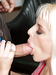 Sandy Simmers seduces her friend
