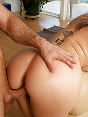 Sara Jay proves why her ass is a masterpieces, juicy hot ass pounded doggystyle